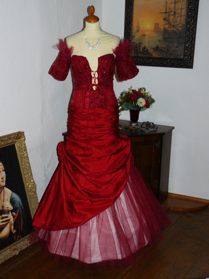 1552d52a6f6 Vampire gothic rudé plesové šaty na maturitní ples sexy - plesové ...